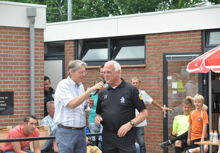 DSC_0151 NKA Oude IJsselstreek (foto team Schiedam) - burgemeester en scheidsrechter